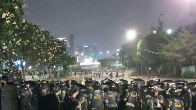 Total 33 Orang Tersangka Demo Ricuh di DPR: 24 Mahasiswa dan 9 Pelajar