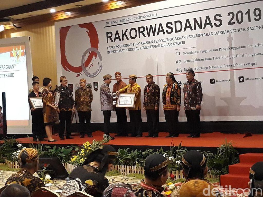 Kemendagri Beri Penghargaan Pengawasan Terbaik untuk 5 Pemprov