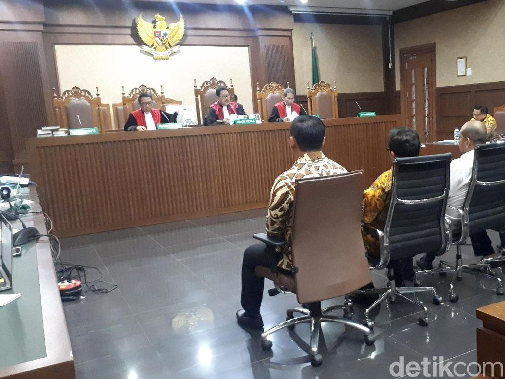 Cerita Saksi Diminta Bowo Sidik Tukar Uang untuk Logistik Dapil