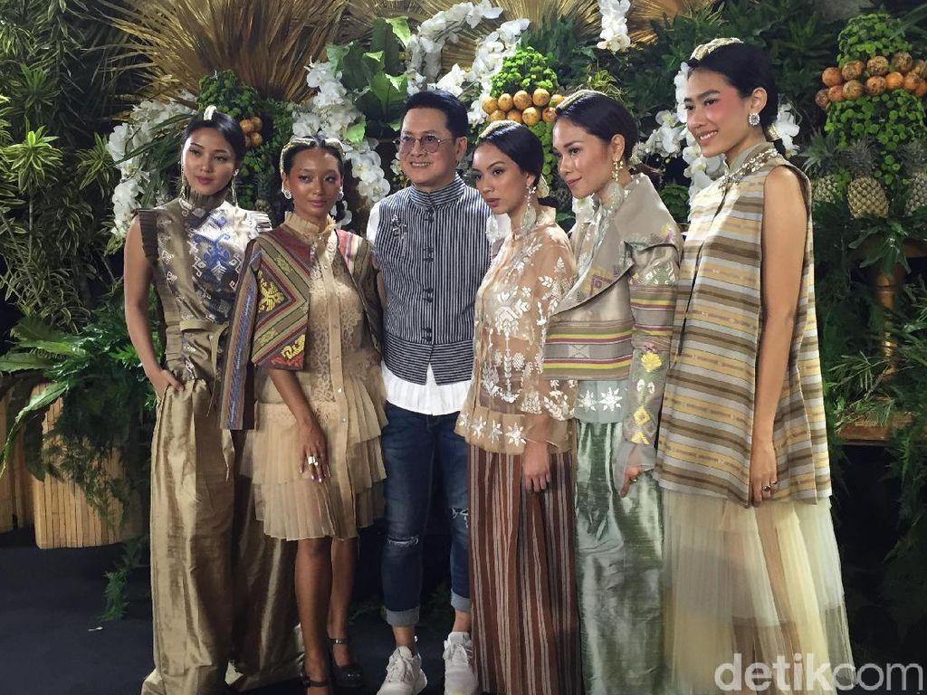 Pesona Tenun Sundawa Lombok Timur di Tangan Denny Wirawan