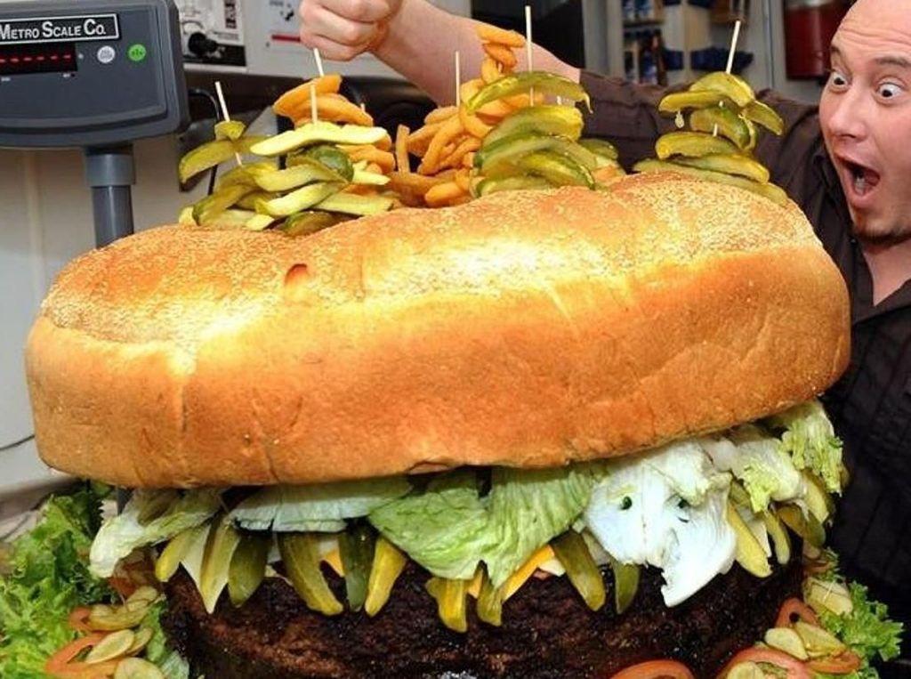 Ini Rekor Burger Paling Besar hingga Makan Burger Terbanyak di Dunia