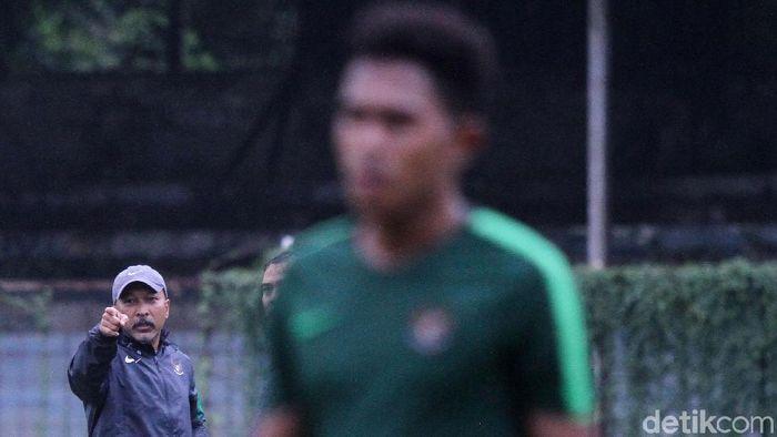 Fakhri Husaini coret tiga pemain dari skuat timnas U-19. (Foto: Rifkianto Nugroho/detikcom)