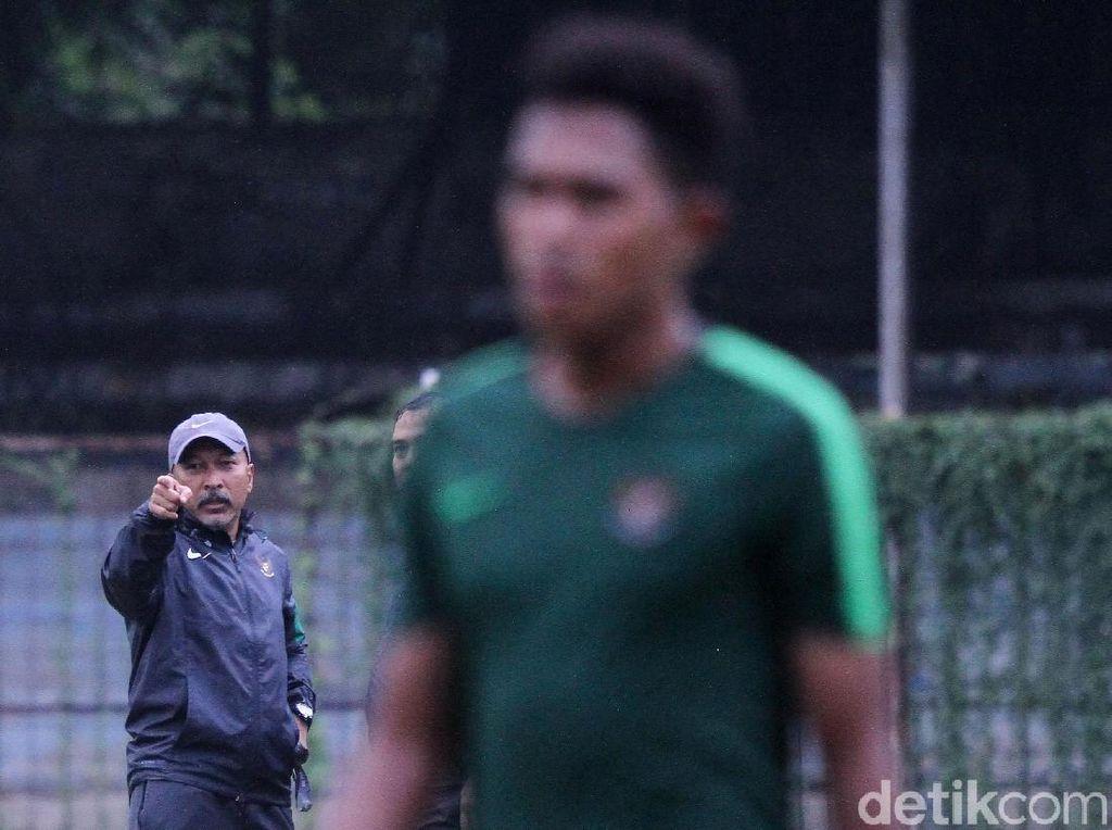 Fakhri Husaini Tutup Pintu untuk Klub Indonesia