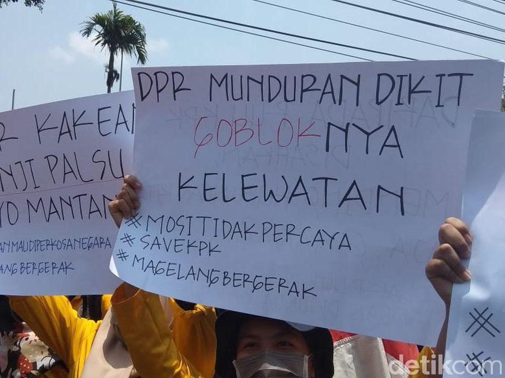 Mahasiswa dan Pelajar Bergabung dalam Aksi #MagelangBergerak