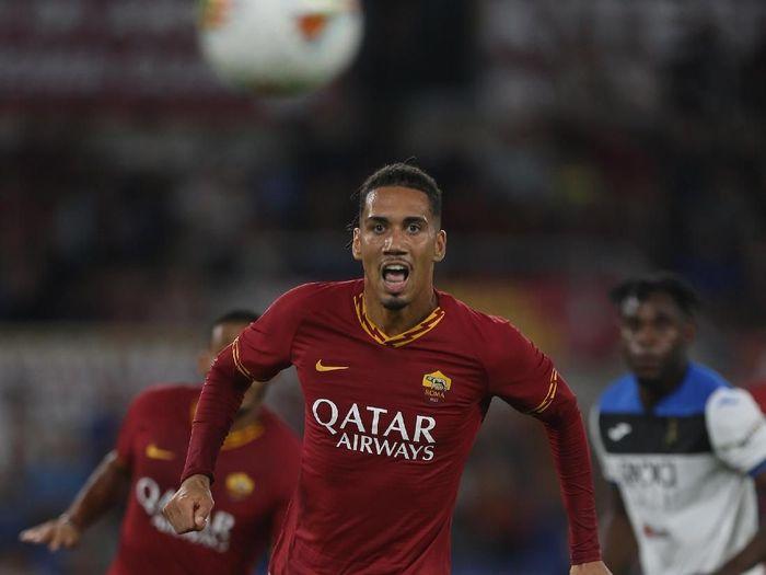 Chris Smalling menjalani debut bersama AS Roma yang berakhir dengan kekalahan (Paolo Bruno/Getty Images)