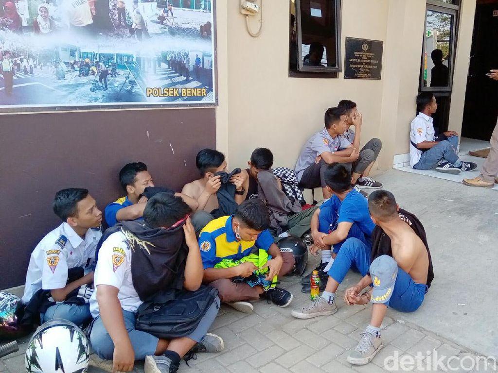 Berniat Demo ke Magelang, Puluhan Pelajar Purworejo Diamankan Polisi