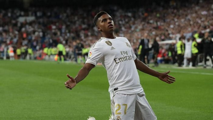 MADRID, SPAIN - SEPTEMBER 25: Rodrygo Goes of Real Madrid CF celebrates scoring their second goal during the Liga match between Real Madrid CF and CA Osasuna at Estadio Santiago Bernabeu on September 25, 2019 in Madrid, Spain. (Photo by Gonzalo Arroyo Moreno/Getty Images)