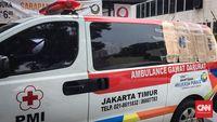 Salah satu mobil ambulans yang terpakir di Mapolda Metro Jaya