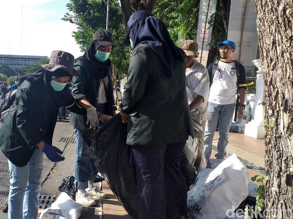 Wow, Ada Tim Sapu Jagat di Aksi #SurabayaMenggugat, Siapakah Mereka?