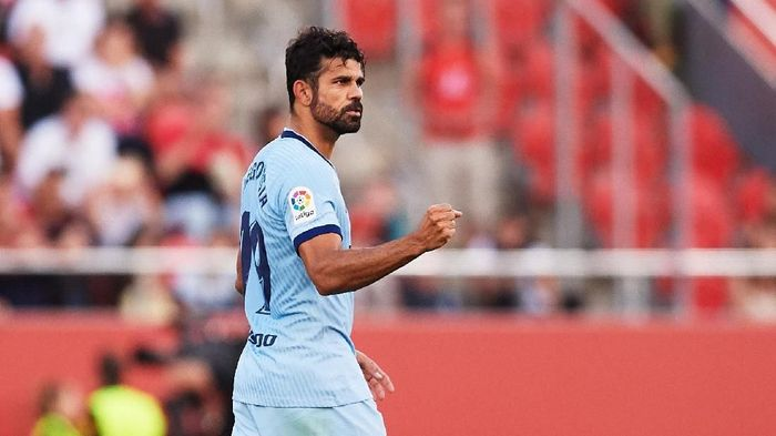 MALLORCA, SPAIN - SEPTEMBER 25: Diego Costa of Atletico de Madrid celebrates scoring the opening goal during the La Liga match between RCD Mallorca and Club Atletico de Madrid at Iberostar Estadi on September 25, 2019 in Mallorca, Spain. (Photo by Alex Caparros/Getty Images)
