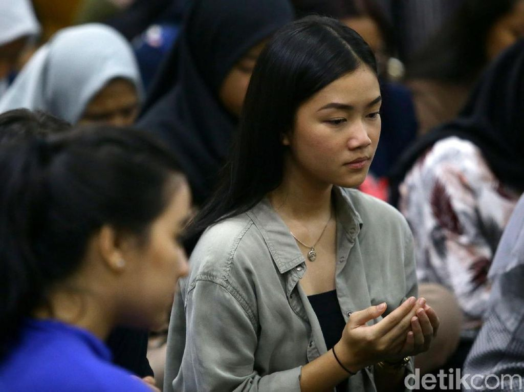 Doa Bersama untuk Kesembuhan Korban Demo Ricuh di DPR
