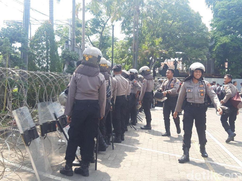 2.000 Polisi Amankan Aksi #SurabayaMenggugat