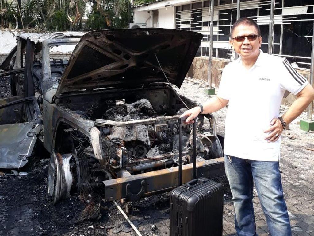 Intip Spek Jeep Wrangler Rubicon Waketum KONI yang Hangus Dibakar Massa