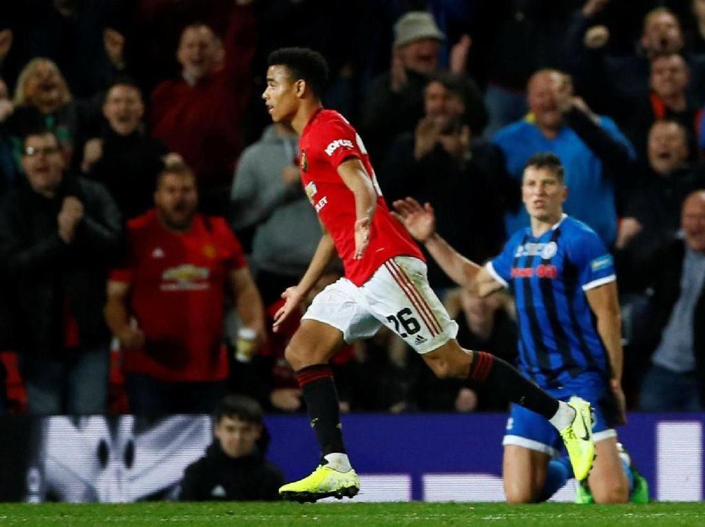 Manchester United Berencana Belanja Striker di Januari