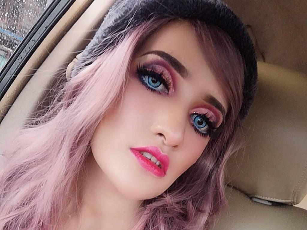 Potret Ibu 2 Anak yang Disebut Sebagai Barbie dari Malaysia