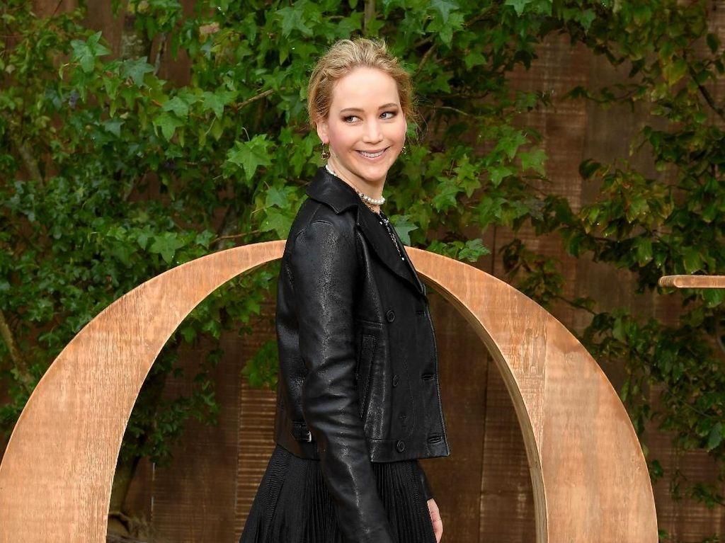 Jennifer Lawrence Liburan ke Sumba, Bisa Wisata ke Mana Saja?