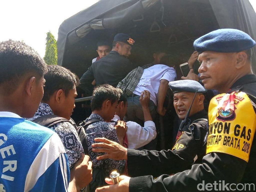 Ratusan Pelajar Makassar Dirazia Saat Ingin Berdemo di DPRD Sulsel