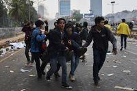 Korban luka berjatuhan dari elemen masyarakat yang menggelar unjuk rasa di sejumlah daerah