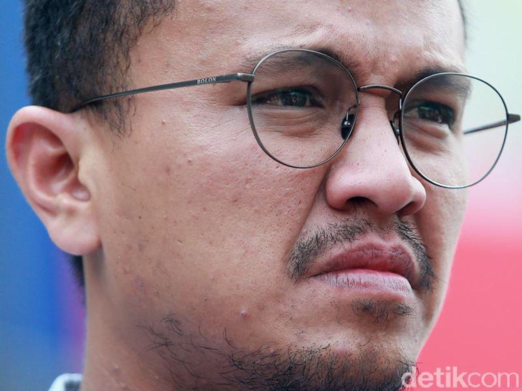 Faldo Maldini dkk Tuntut Usia Syarat Cagub Diturunkan, MK Minta Perbaikan
