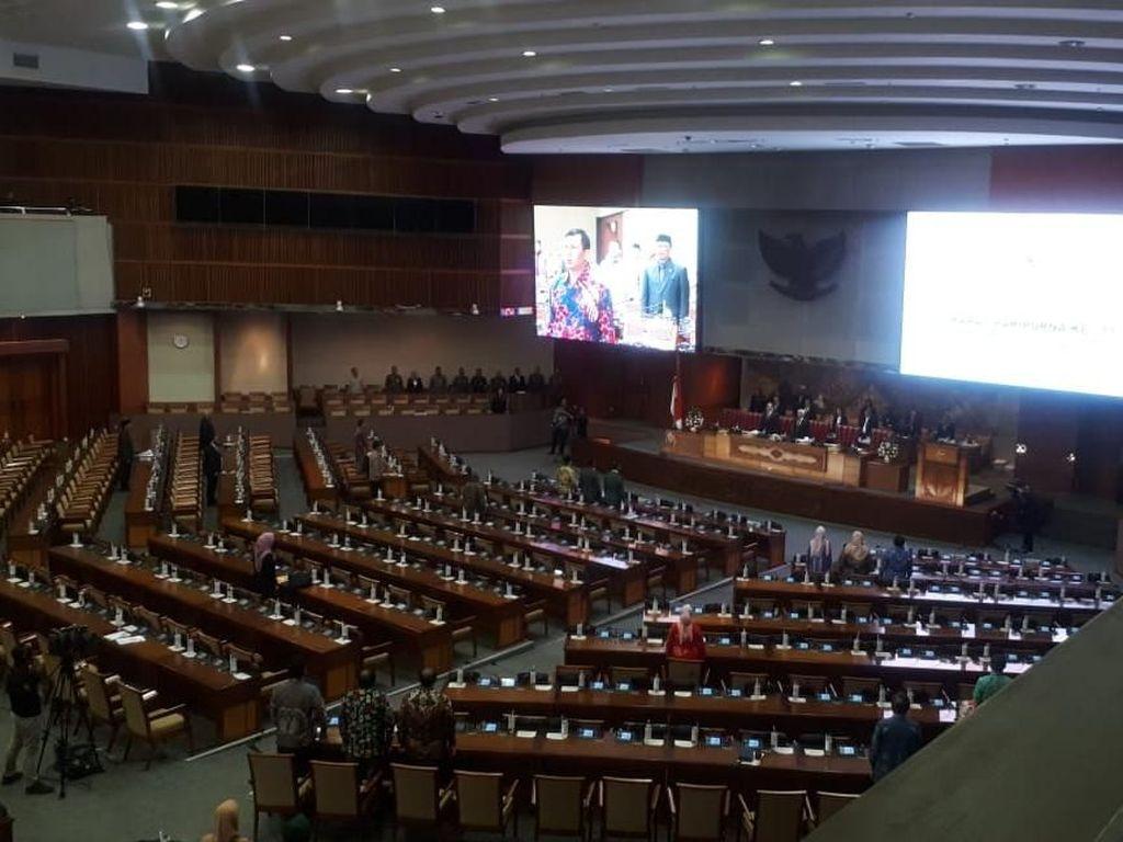Paripurna Pengesahan RUU Perkoperasian Hanya Dihadiri 75 Anggota DPR
