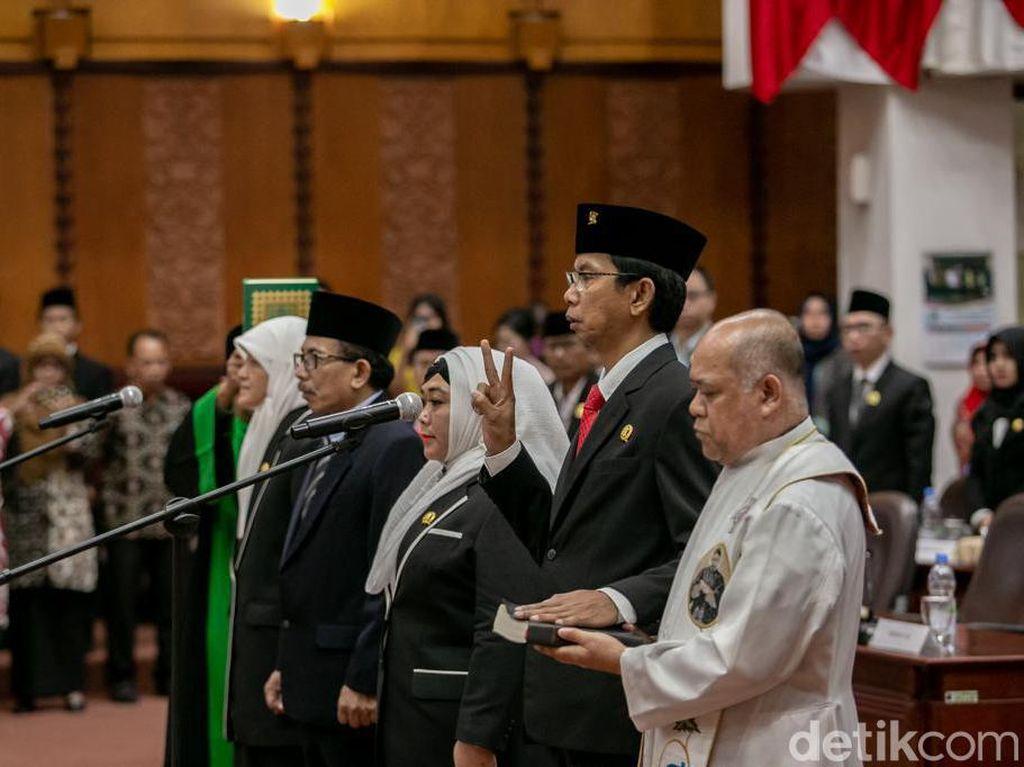 Empat Pimpinan Definitif DPRD Surabaya Resmi Dilantik