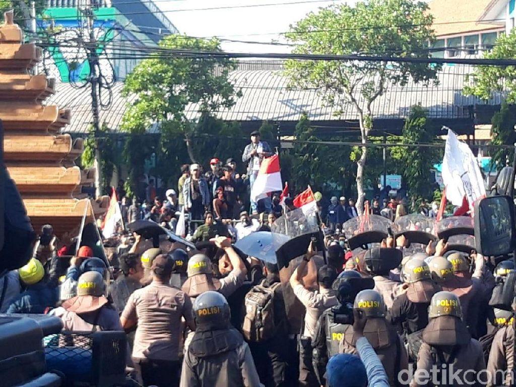 50 Terduga Provokator di #SurabayaMenggugat Diamankan, Termasuk 2 Anak SD