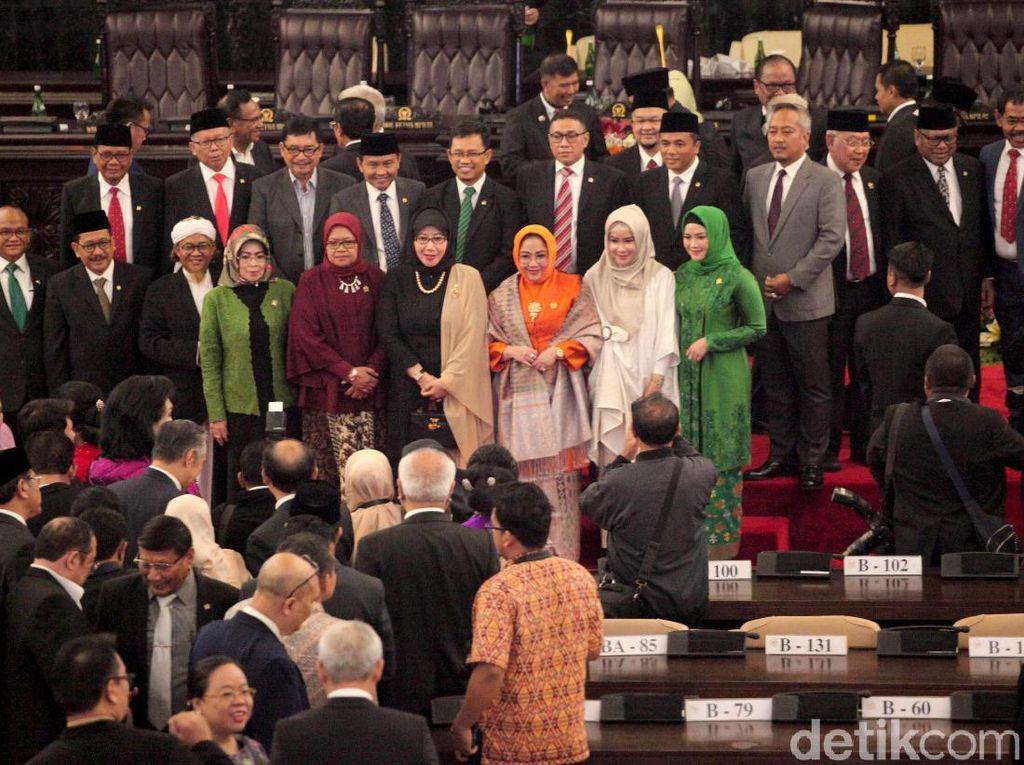 Ini Jadwal Sidang Paripurna Pengucapan Sumpah Anggota Parlemen Baru