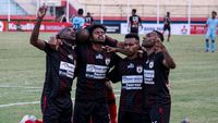 Klub-klub Musafir di Liga 1: Persipura Main di Jawa, Persib Main di Bali