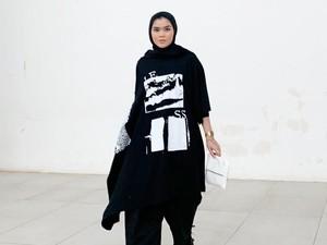 Sivia Azizah: Dari Blink Kini Kaprikornus Hijabers Hypebeast