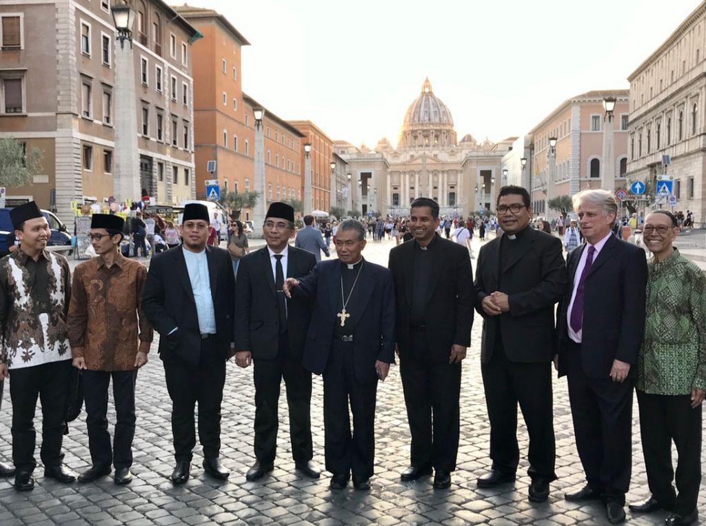 Anggota Wantimpres Yahya Cholil Bertemu Paus Fransiskus di Vatikan