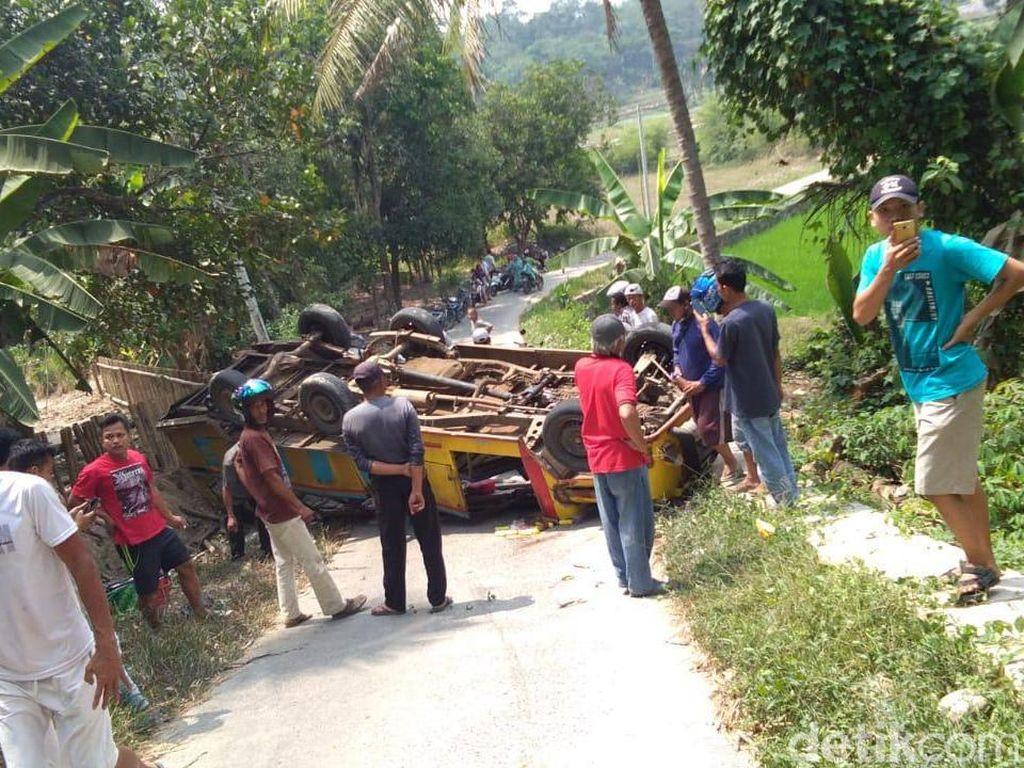 Odong-odong Rombongan PAUD Terbalik di Serang, 6 Orang Terluka