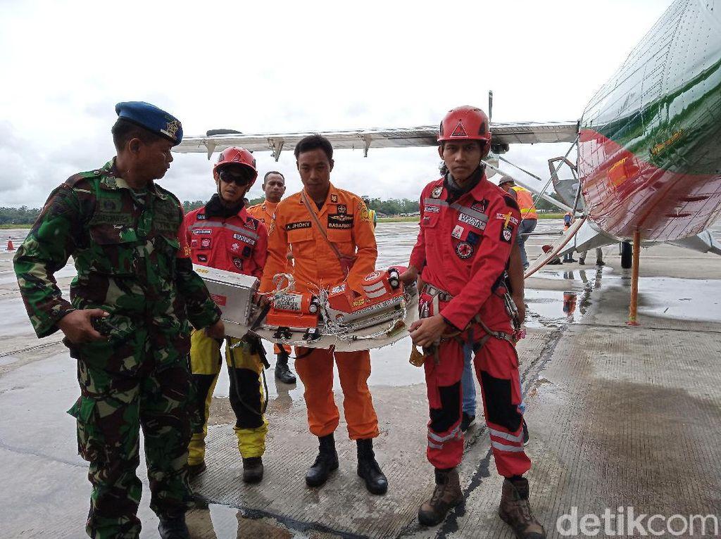 Black Box Pesawat Twin Otter yang Jatuh di Papua Ditemukan