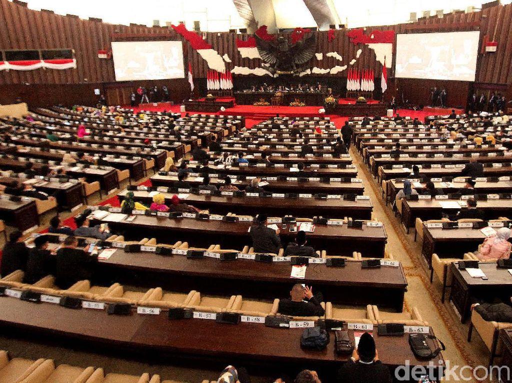 DPR Resmi Carry Over RUU KUHP, Cukup 1 Kali Sidang untuk Sahkan Jadi UU