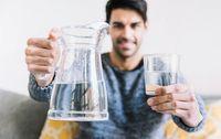 Rajin Minum Air Putih, Apakah Air Mengandung Kalori?