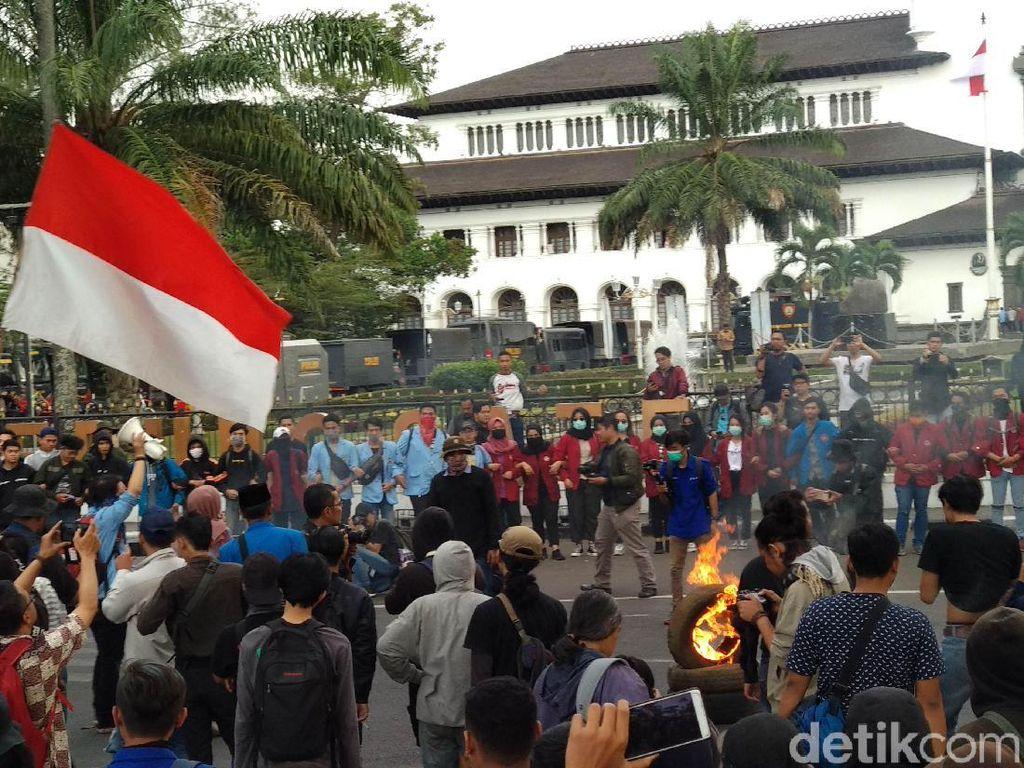 Ridwan Kamil Janji Temui Demonstran Pelajar-Mahasiswa