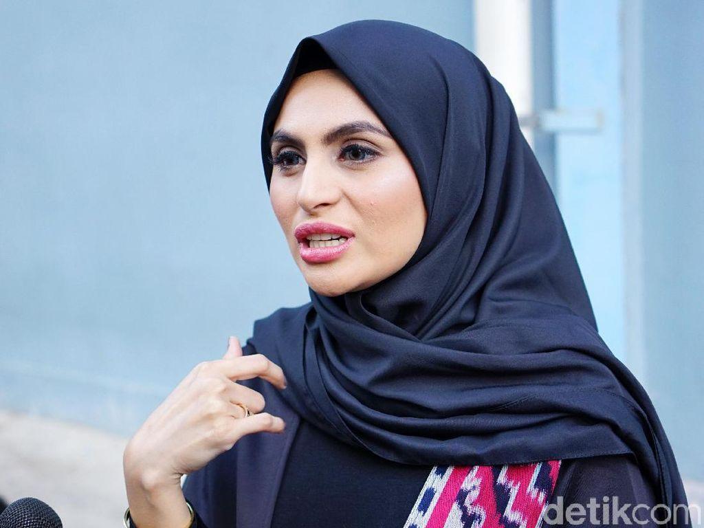 Asha Shara Belum Mau Terima Kerjaan yang Minta Lepas Hijab