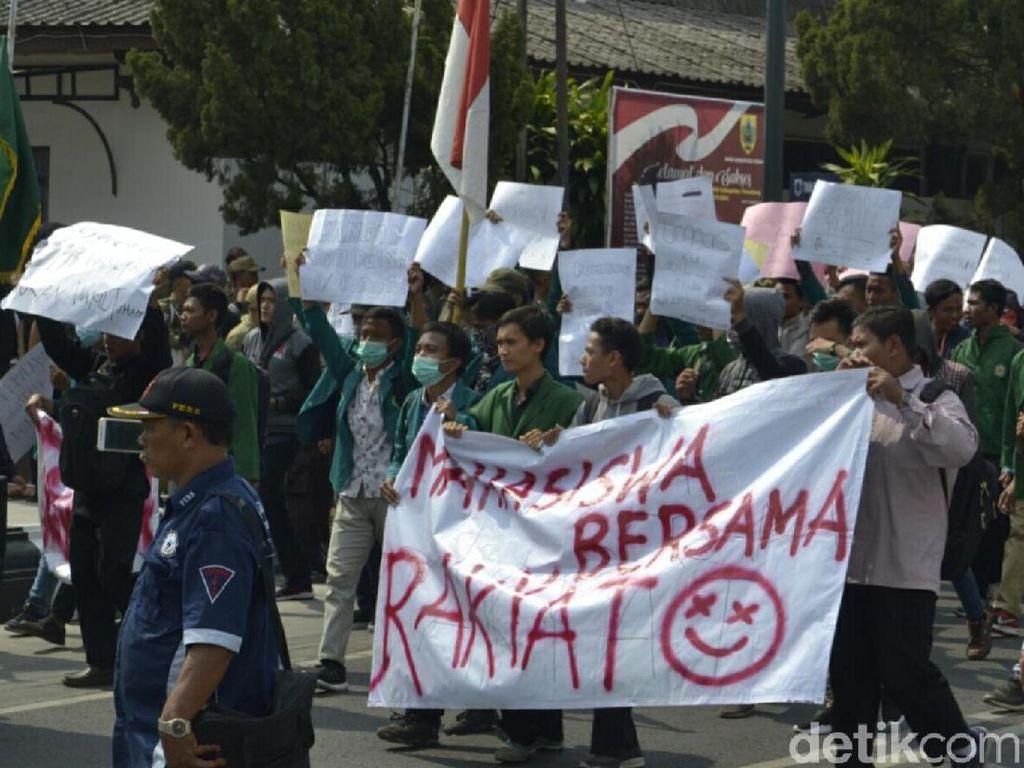 Mau Ikut Demo Mahasiswa di DPRD, Pelajar di Pemalang Disetop Polisi
