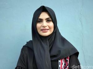 Demi Mendiang Sang Ayah, Asha Shara Mantap Tutup Aurat