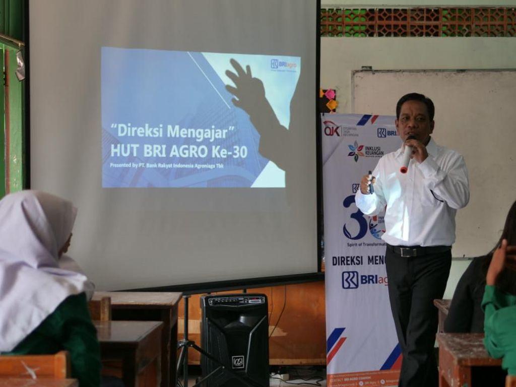 HUT ke-30, Direksi hingga Pekerja BRI Agro Jadi Pengajar Dadakan