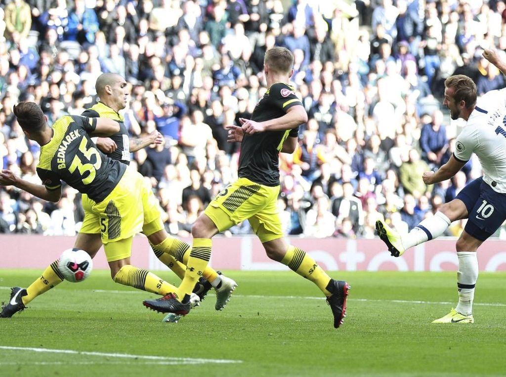 Hasil Liga Inggris: 10 Pemain Tottenham Kalahkan Southampton