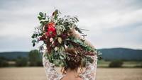 Wanita Ini Jalani Foto Prewedding Sendiri Meski Gagal Nikah, Alasannya Menohok