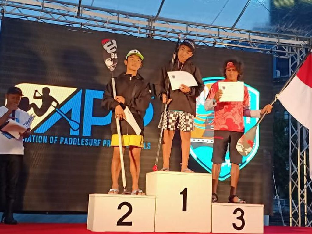 Atlet Stand Up Paddle BPJAMSOSTEK Juarai Turnamen Internasional