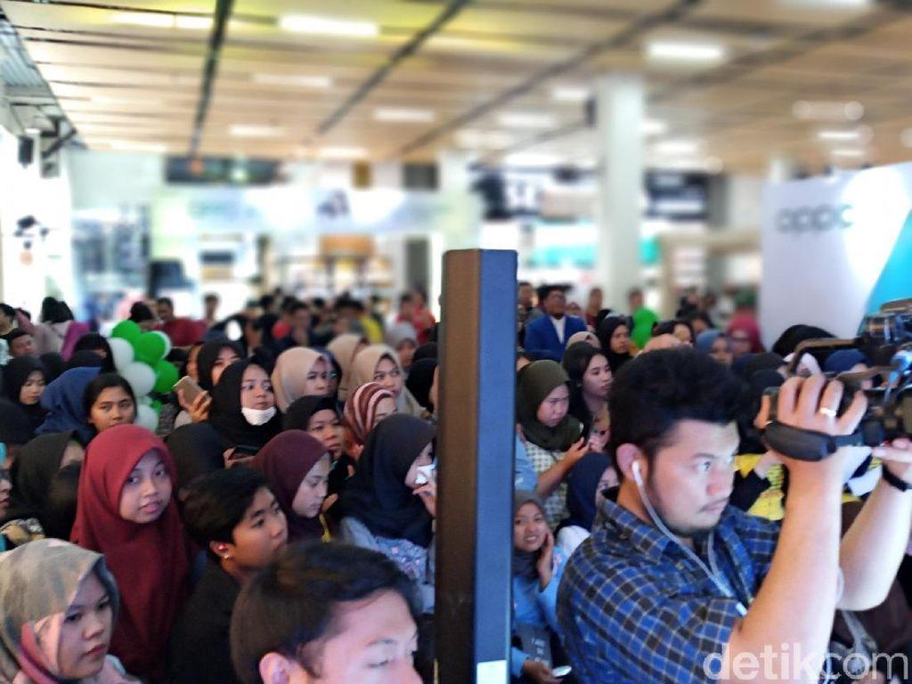 Hebohnya Warga Bandung Sambut Oppo A9 2020