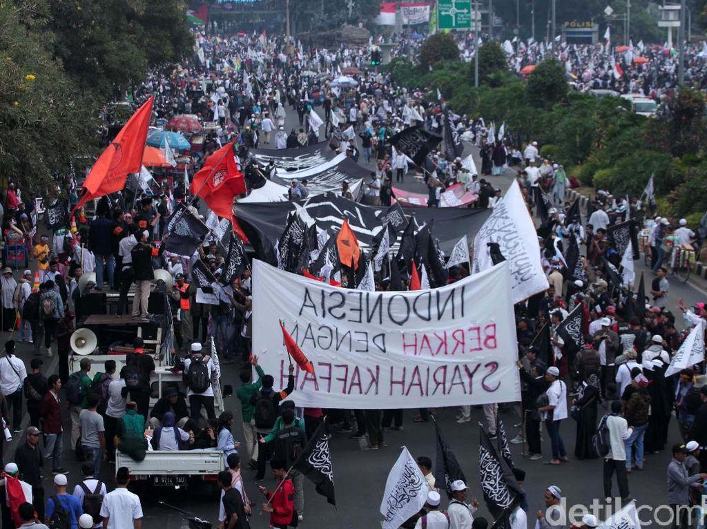 Selain Minta Jokowi Turun, Orator Aksi Mujahid 212 Juga Bicara Khilafah