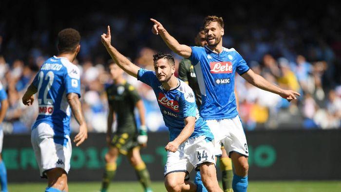 Napoli mengalahkan Brescia 2-1 di lanjutan Liga Italia. (Foto: Francesco Pecoraro / Getty Images)