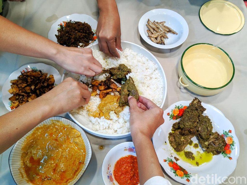 Rayakan HUT ke-16 Komunitas Jalansutra Gelar Acara Kuliner Seru