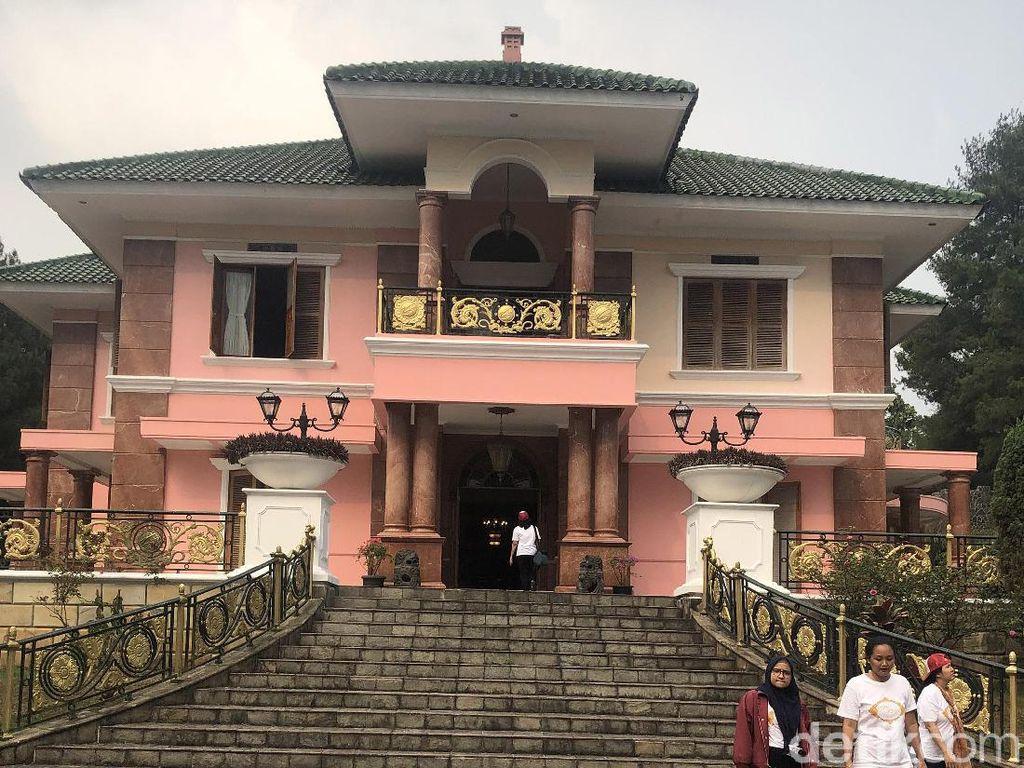 Intip Interior Villa Mewah Milik Mantan Bos Mitsubishi Indonesia di Puncak