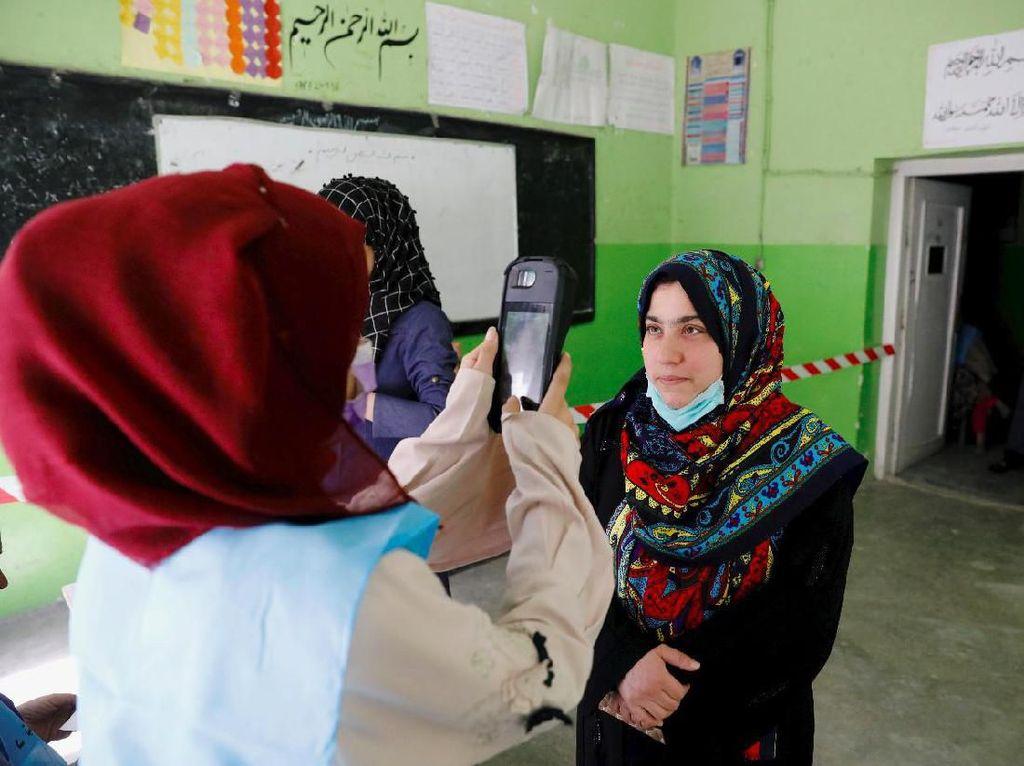 Pemungutan Suara Pilpres di Afghanistan Pakai Mesin Biometrik