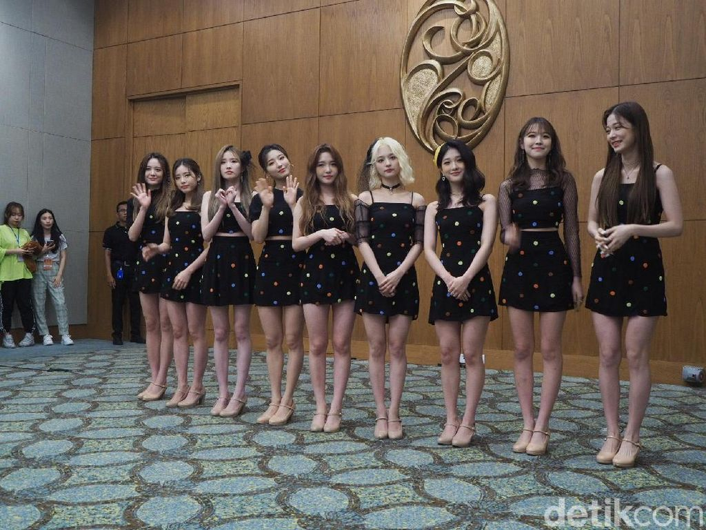 Pengumuman! fromis_9 Pindah Agensi ke PLEDIS Entertainment
