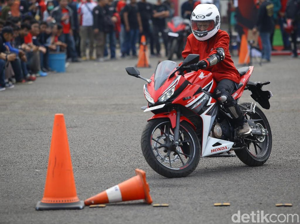 Intip Safety Riding Challange ala CBR Race Day